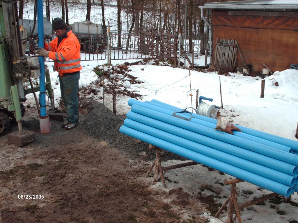 Brunnenbohrung in Festgestein Einbau der Brunnenrohre